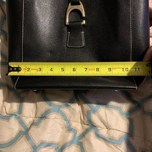 Dooney & Bourke Bags - Authentic Dooney and Bourke black purse
